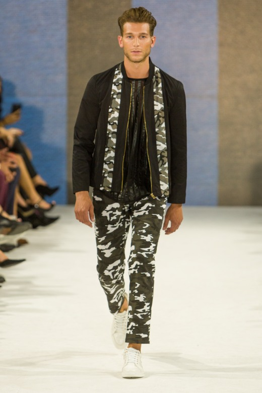 shayne-gray-TOM-aug-20-runway-Dalla-0930