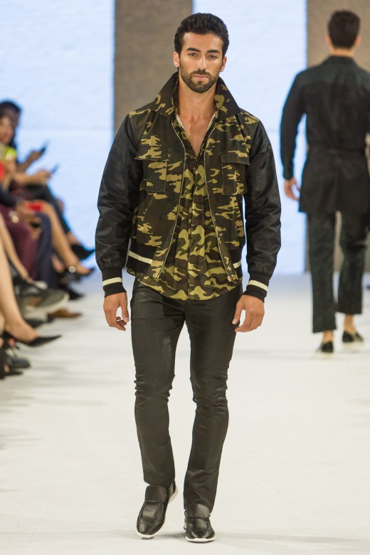 shayne-gray-TOM-aug-20-runway-Dalla-1071