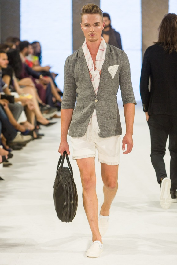 shayne-gray-TOM-aug-20-runway-Dalla-1134