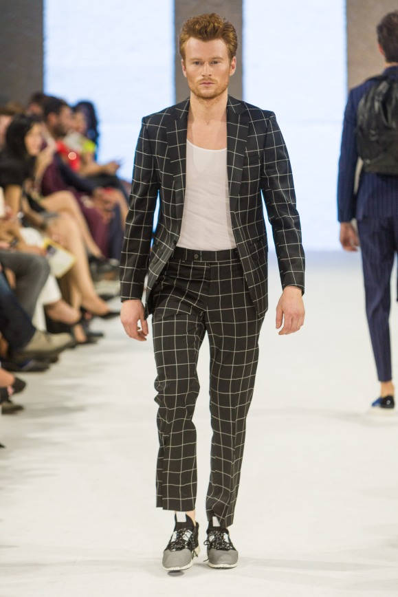 shayne-gray-TOM-aug-20-runway-Dalla-1169