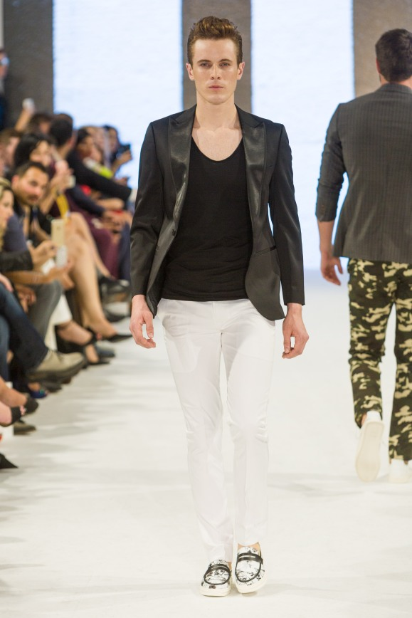 shayne-gray-TOM-aug-20-runway-Dalla-1214