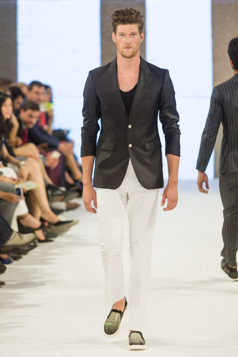 shayne-gray-TOM-aug-20-runway-Dalla-1269