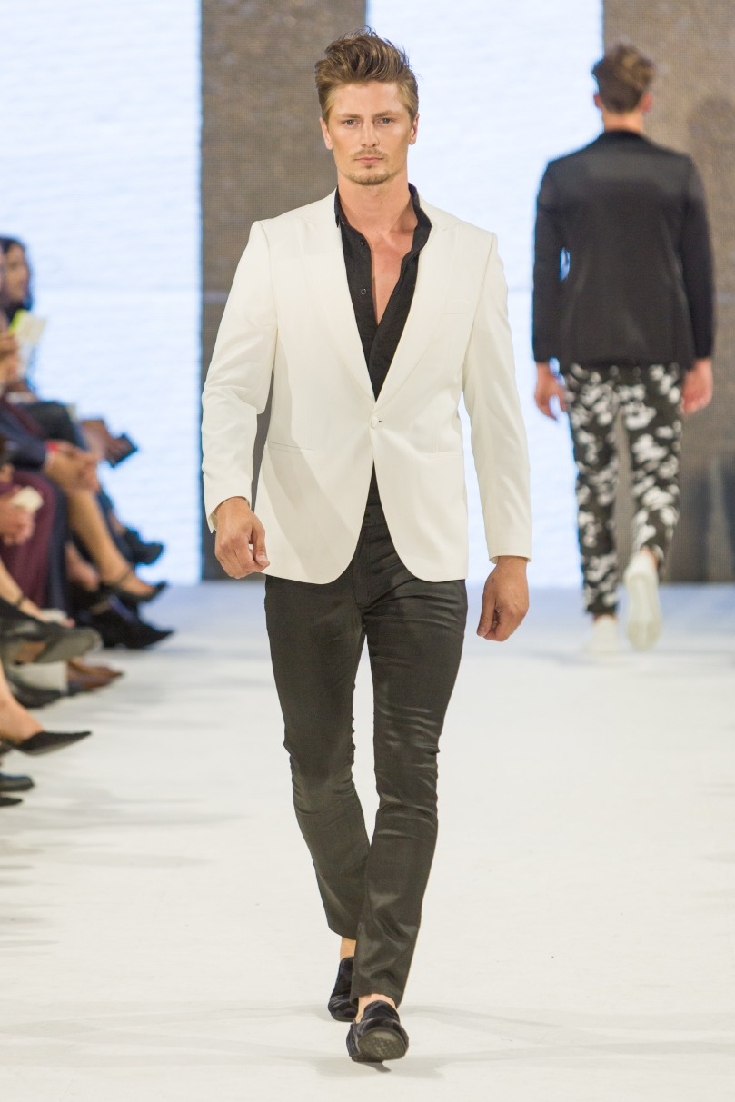 shayne-gray-TOM-aug-20-runway-Dalla-1294