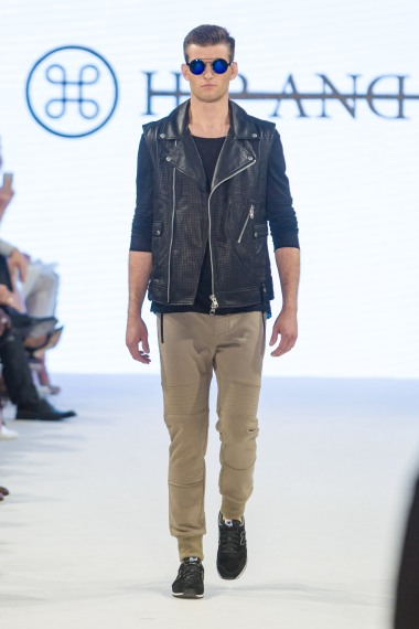 shayne-gray-TOM-aug-20-runway-hand-and-bone-9838